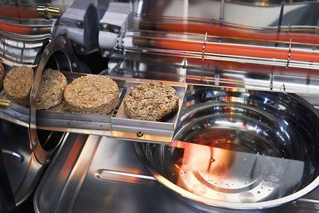 Совместимость сортов щепы или древесных брикетов при копчении разных продуктов